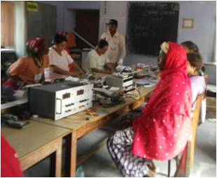 Femmes Barefoot college lycée le verrier Saint-Lô Tilonia Inde